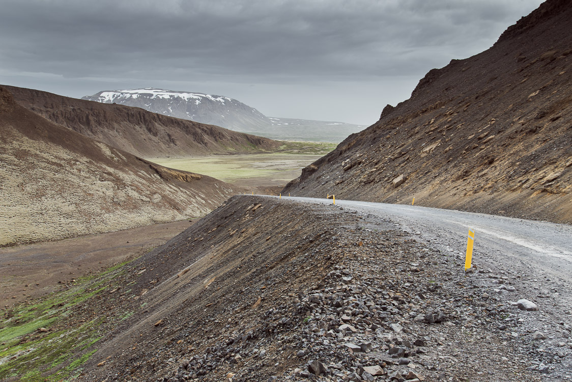 Descente virage route Islande Sebastien Mas